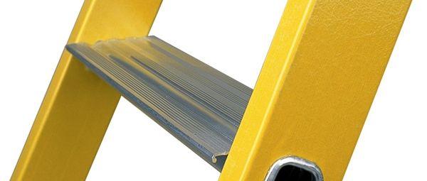 escabeau-isolant-professionnel-p-140927.2-600x600